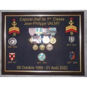 Cadre A3 avec médailles (1)
