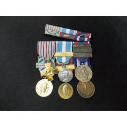 les Médailles montées sur drap